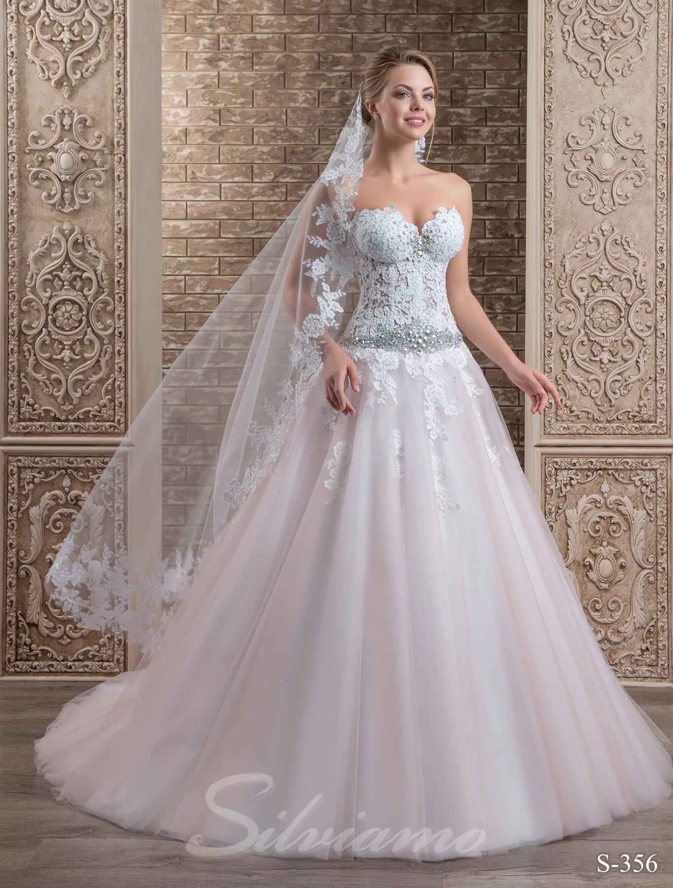 Сучасні весільні сукні  один фасон різні образи 30a4c88a3e370