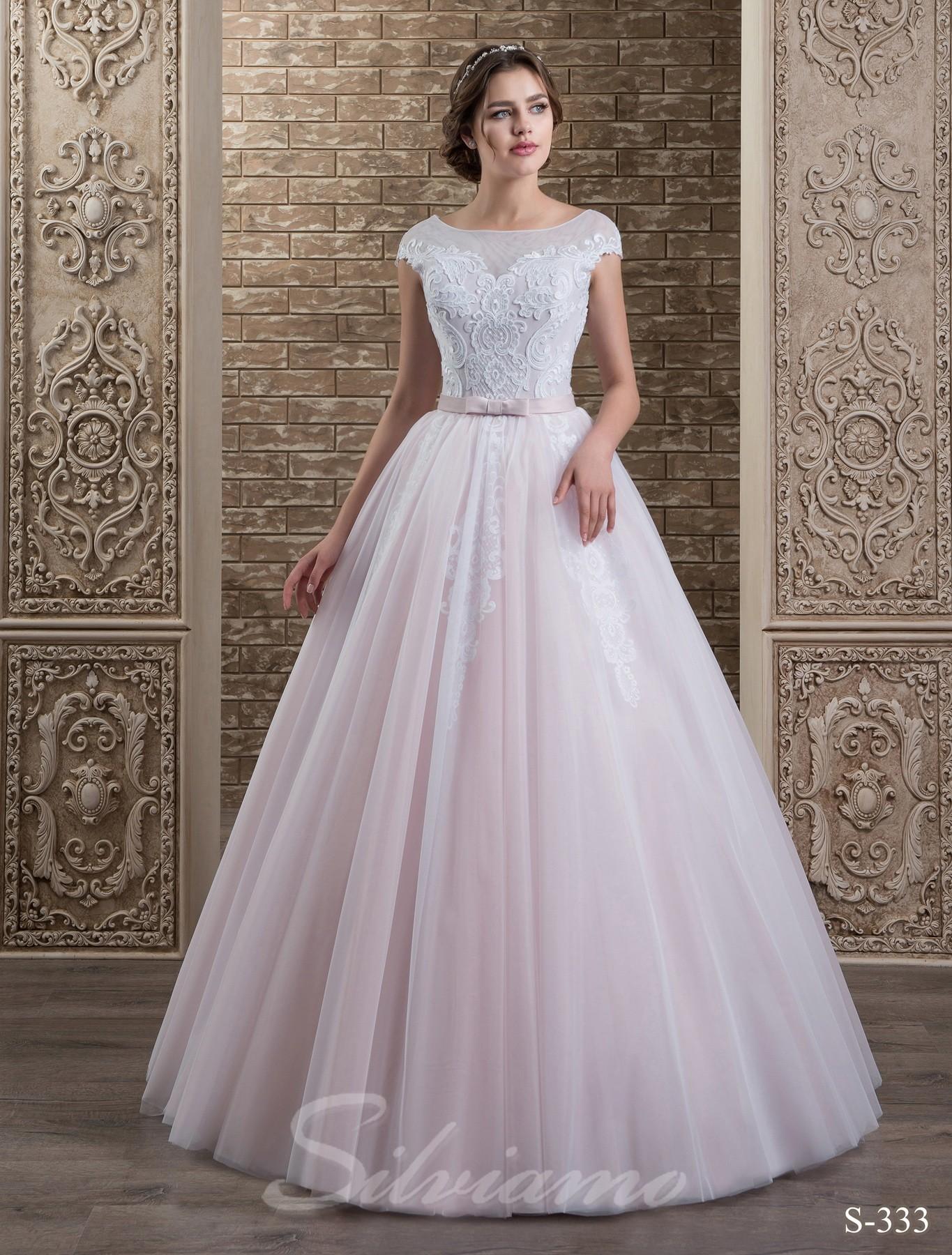 c789dad7a5071f Весільні сукні з пишною спідницею: кому підуть?