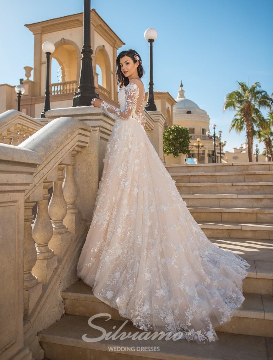 0a08b4f916a650 Купити весільні сукні оптом на сайті ТМ Silviamo