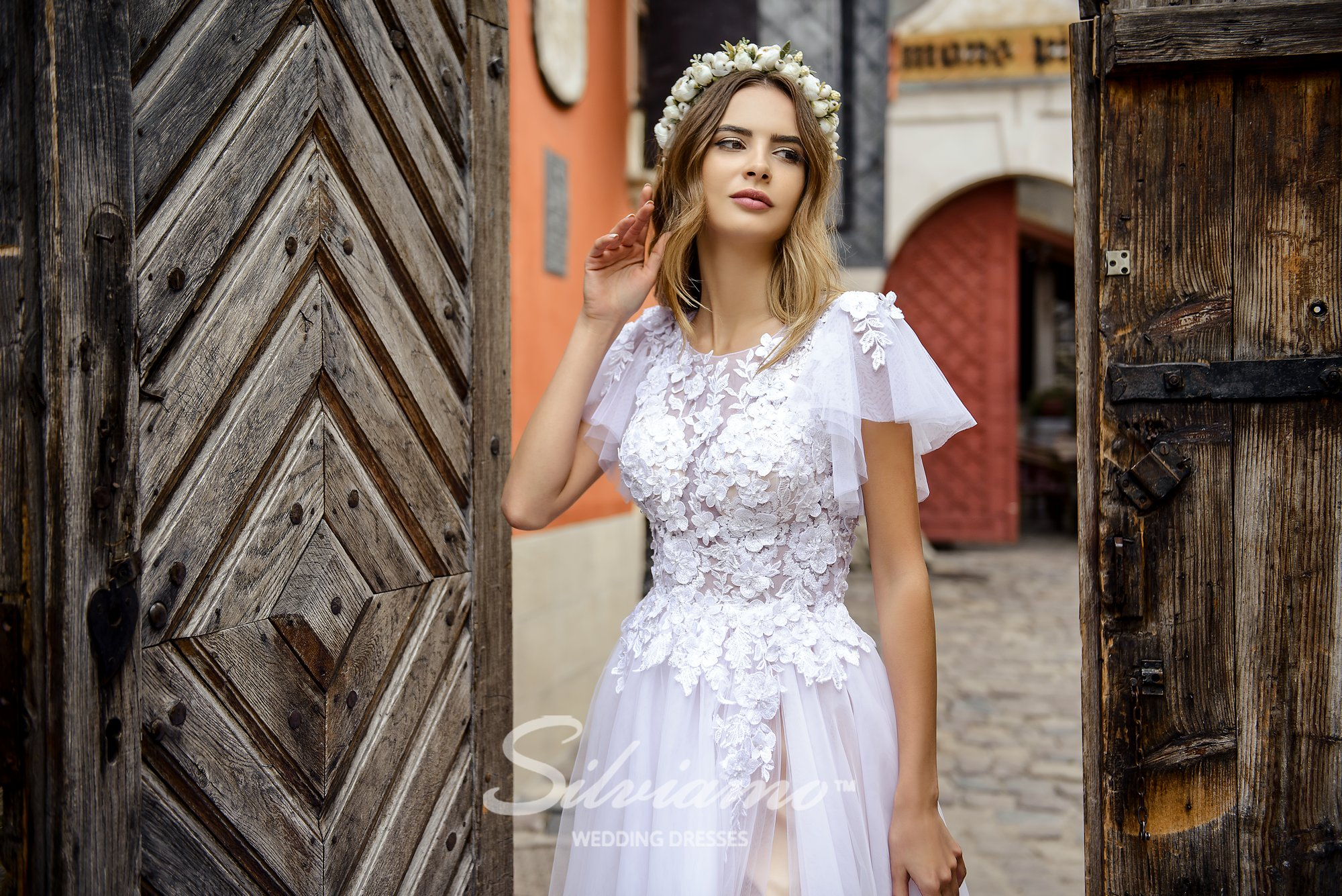 Wedding dress with wing-shaped on wholesale by Silviamo-1