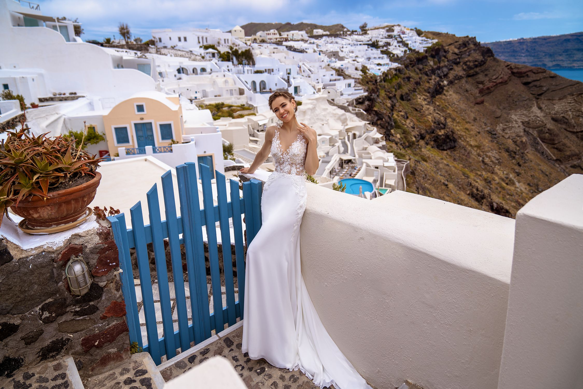 Wedding dress mermaid with a train from the manufacturer Silviamo wholesale-1