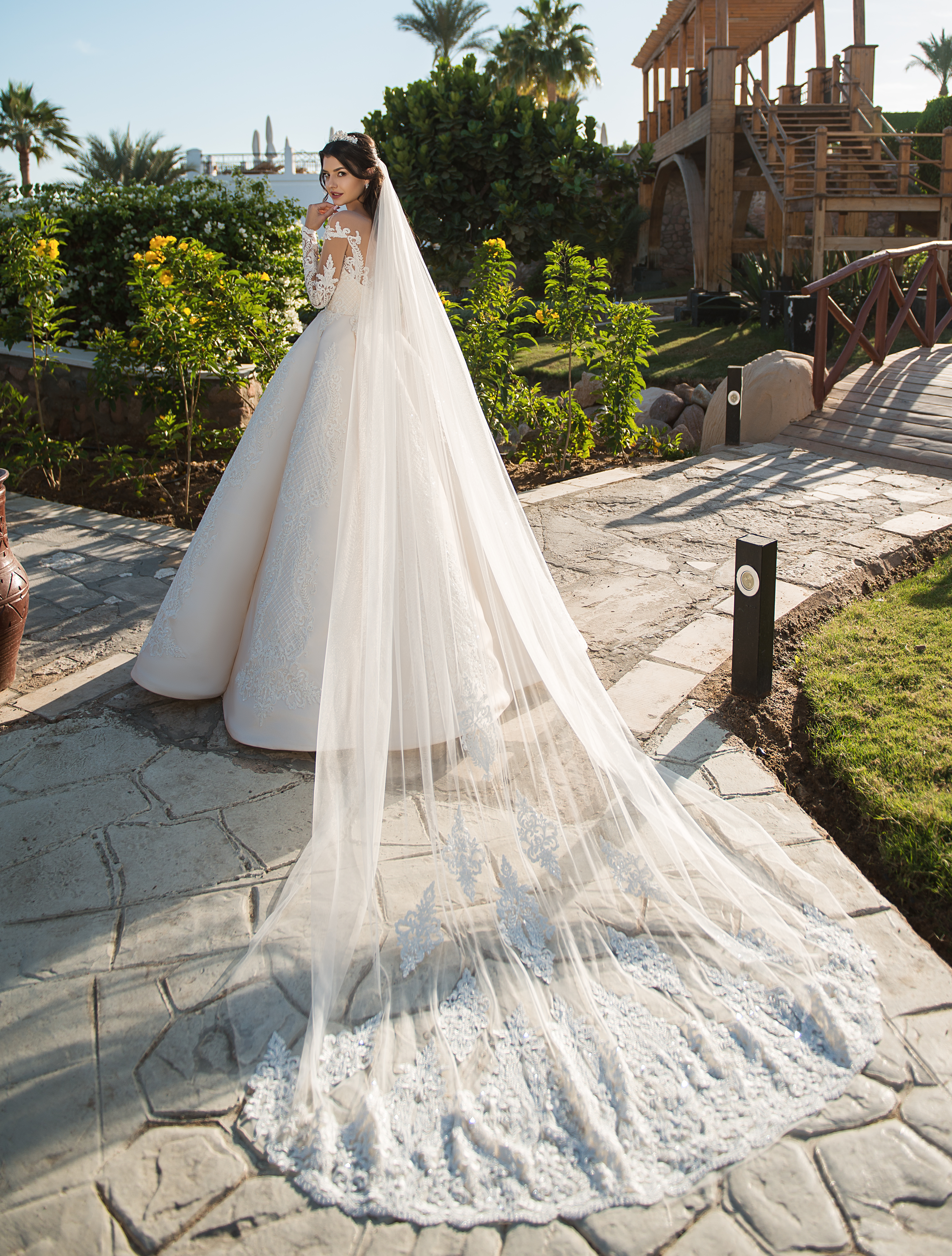 Bum veil made of tulle-1