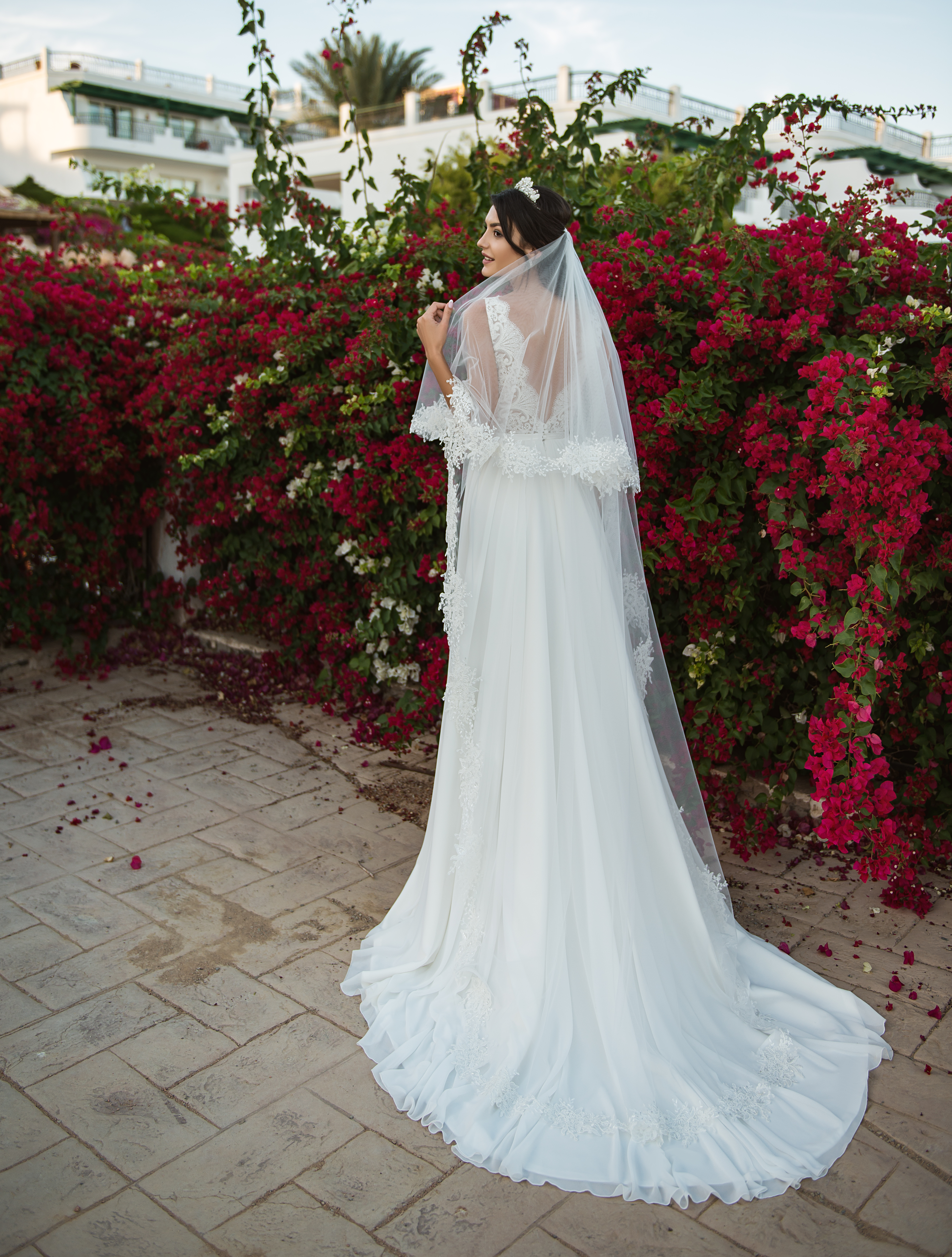 Two tier veil made of thin tulle-1
