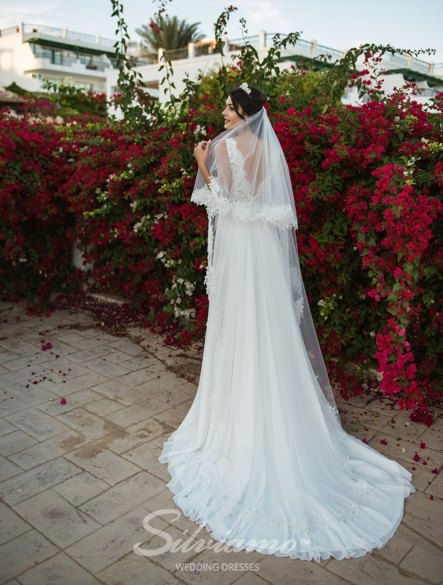 Two tier veil made of thin tulle F-034