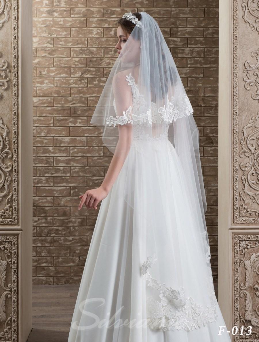 The fatin cuffed veil model F-013-1