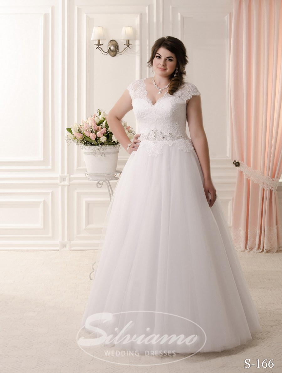 Купити весільні сукні оптом  1906b6c564af3