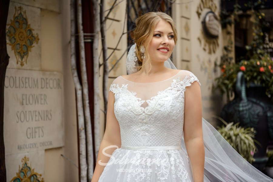plus size wedding dresses, buy wholesale, from the manufacturer, Silviamo, Plus size, wedding dresses for curvy, Ivory, on a yoke, bateau neckline, for curvy brides, buy wholesale, delivery, countries, online S-484-Sherry