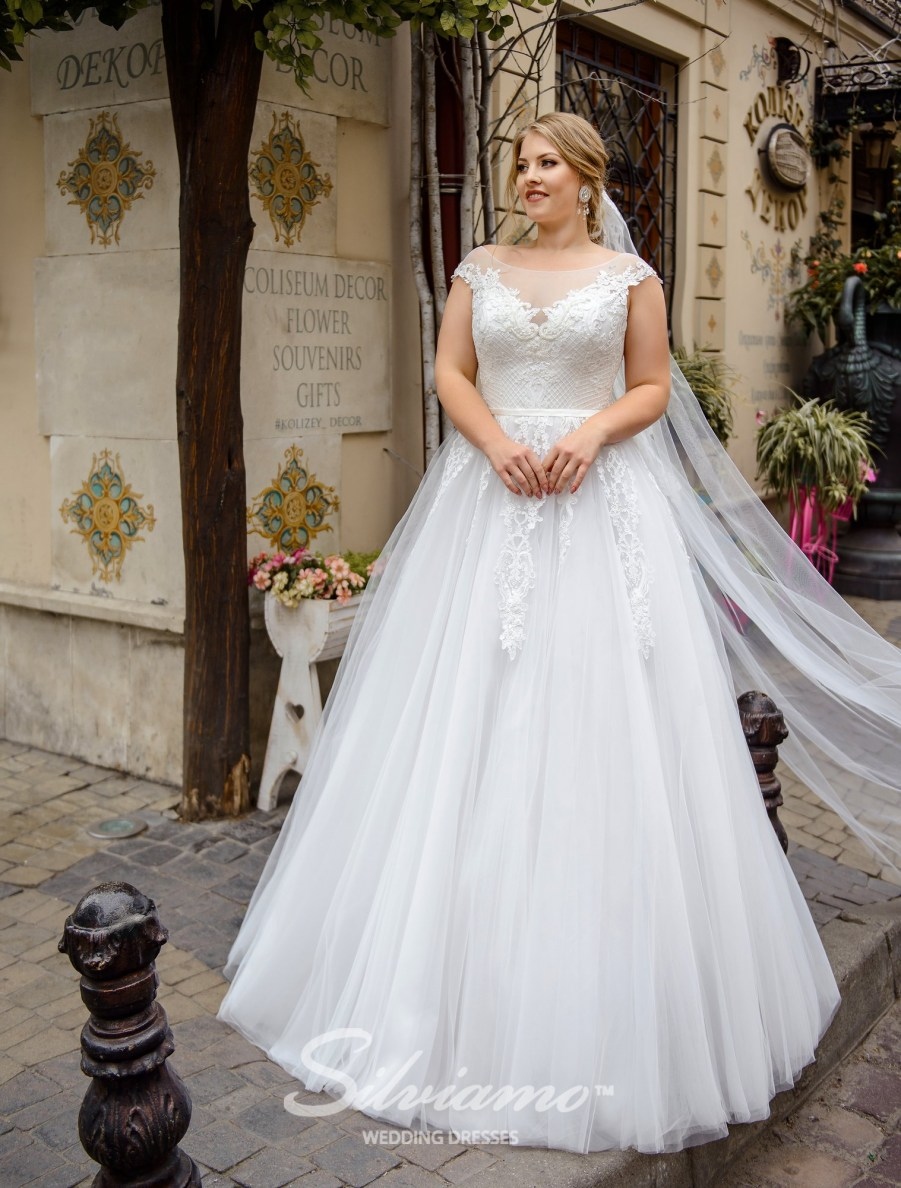 plus size wedding dresses, buy wholesale, from the manufacturer, Silviamo, Plus size, wedding dresses for curvy, Ivory, on a yoke, bateau neckline, for curvy brides, buy wholesale, delivery, countries, online-3