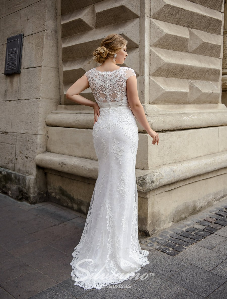 Plus size close-fitting guipure wedding dresses on wholesale by Silviamo-3