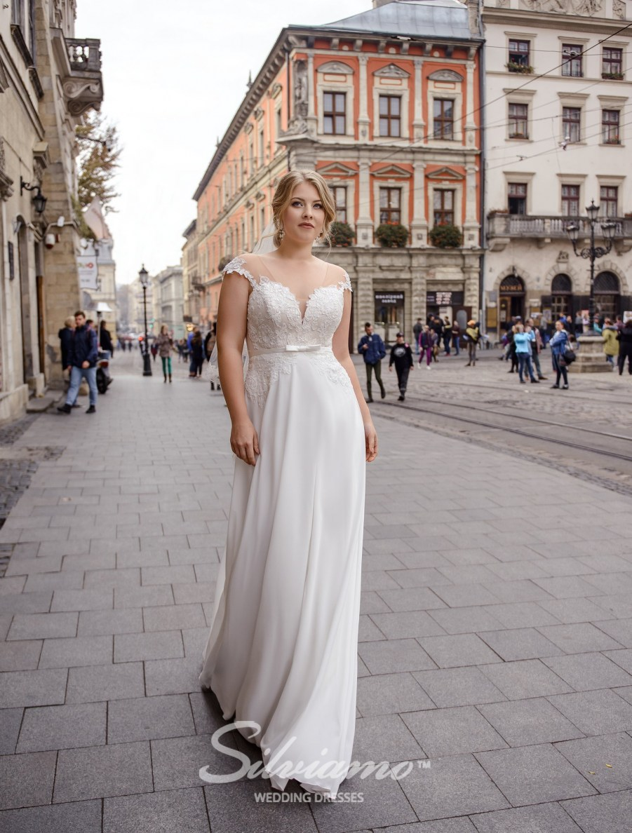 Plus size wedding dress with shortened corset on wholesale by Silviamo-2