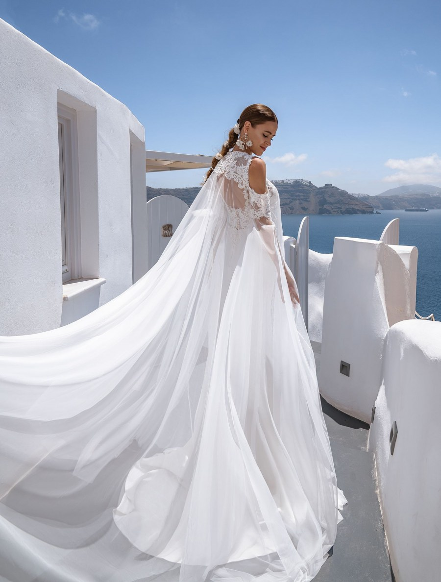Off-the-shoulder wedding gown from Silviamo wholesale-3