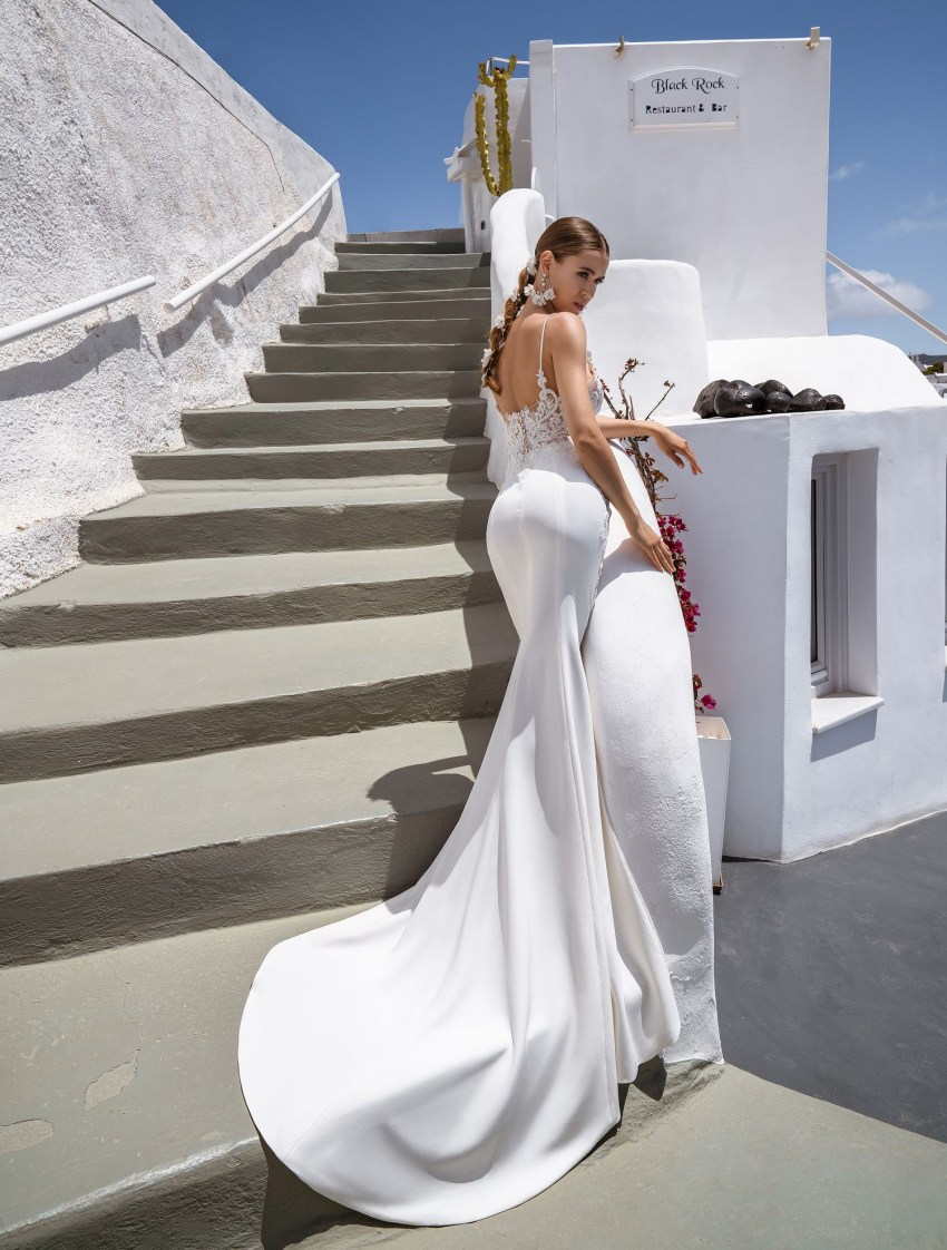 Off-the-shoulder wedding gown from Silviamo wholesale-6