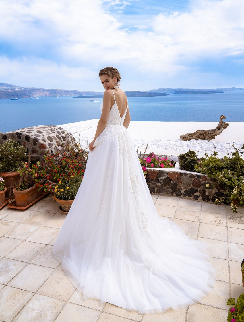 Wedding gown with cape from the manufacturer Silviamo wholesale-4
