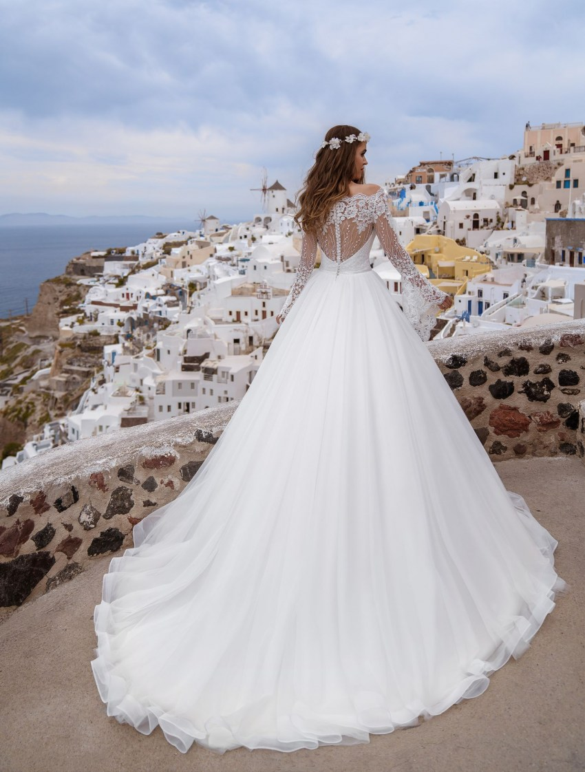 Wedding dress with bell sleeves wholesale from Silviamo-5