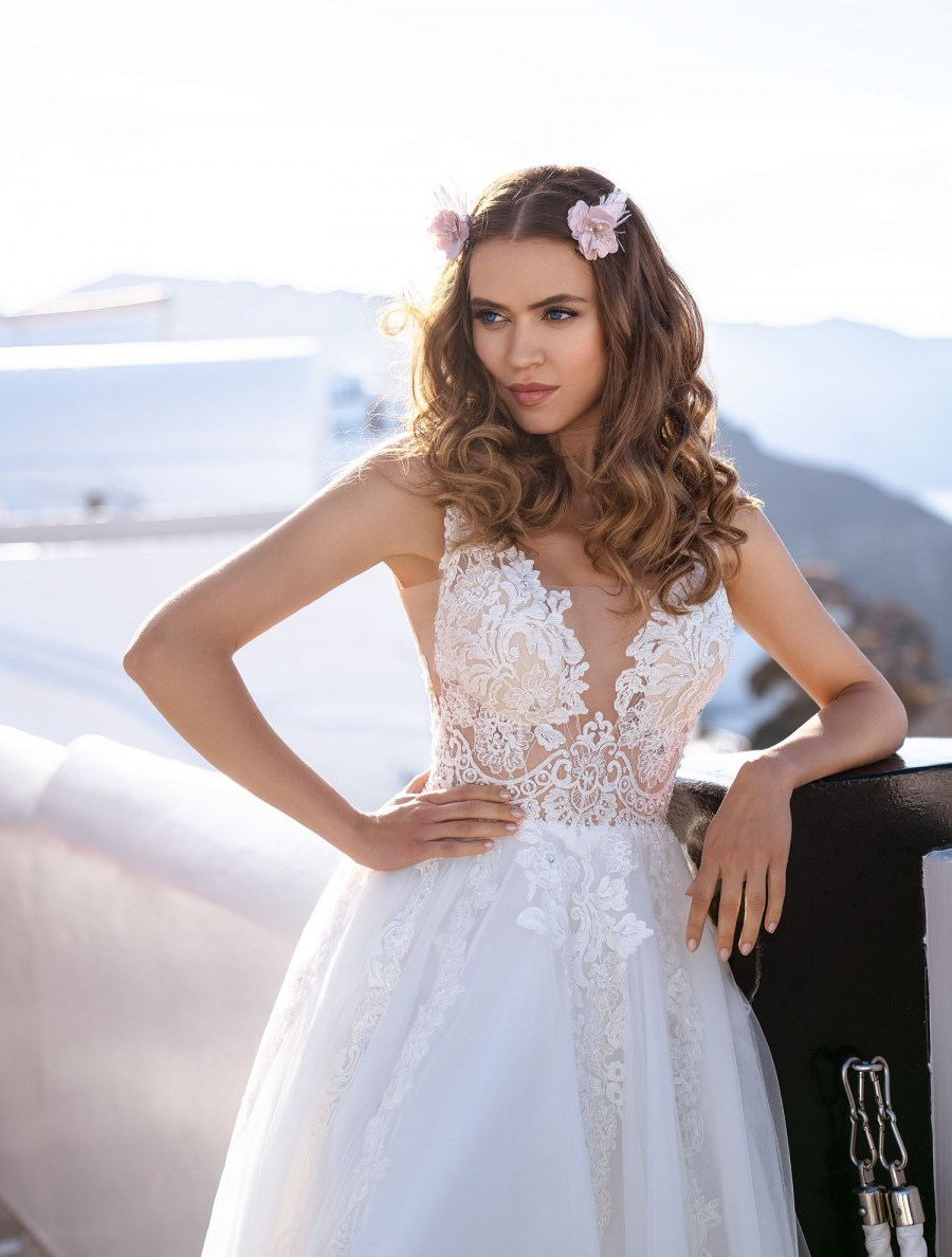 Wedding dress embroidered with beads, stones and pearls wholesale from Silviamo-2