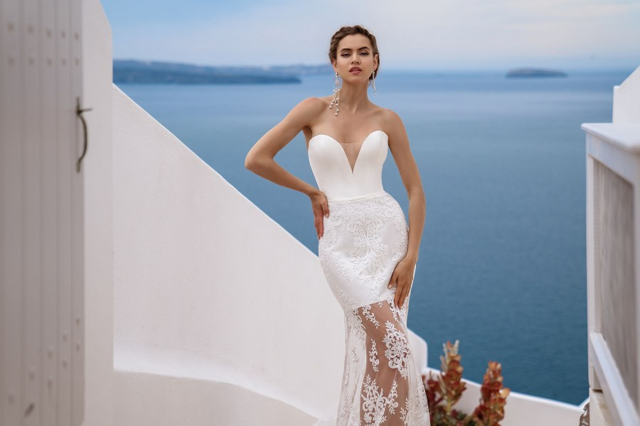 Wedding dress with cape from the manufacturer Silviamo wholesale-2