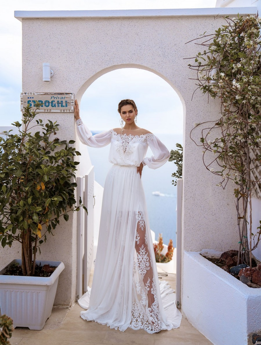 Wedding dress with cape from the manufacturer Silviamo wholesale-3