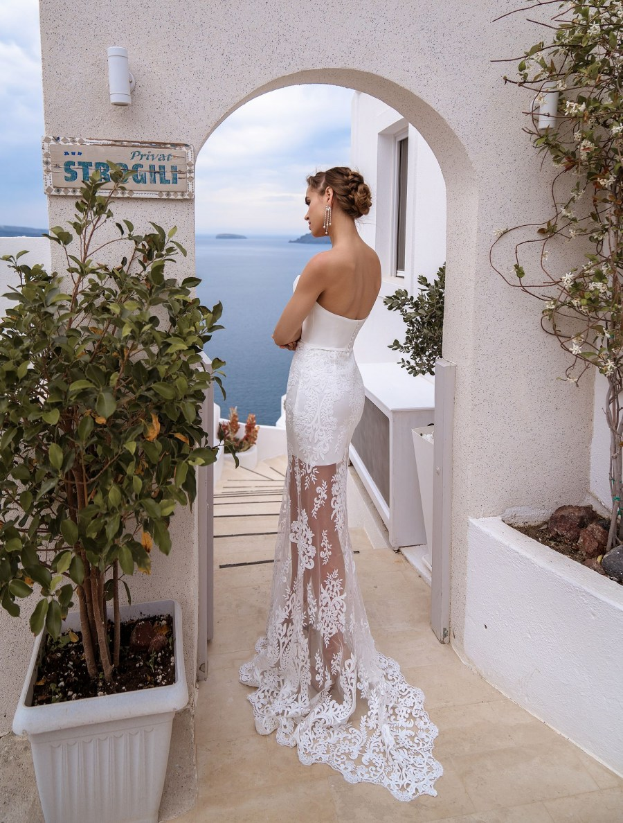 Wedding dress with cape from the manufacturer Silviamo wholesale-4