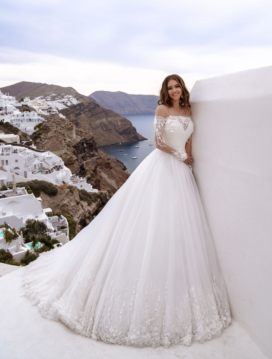 Wedding dress with poufy skirt-train TM Silviamo at wholesale prices-3