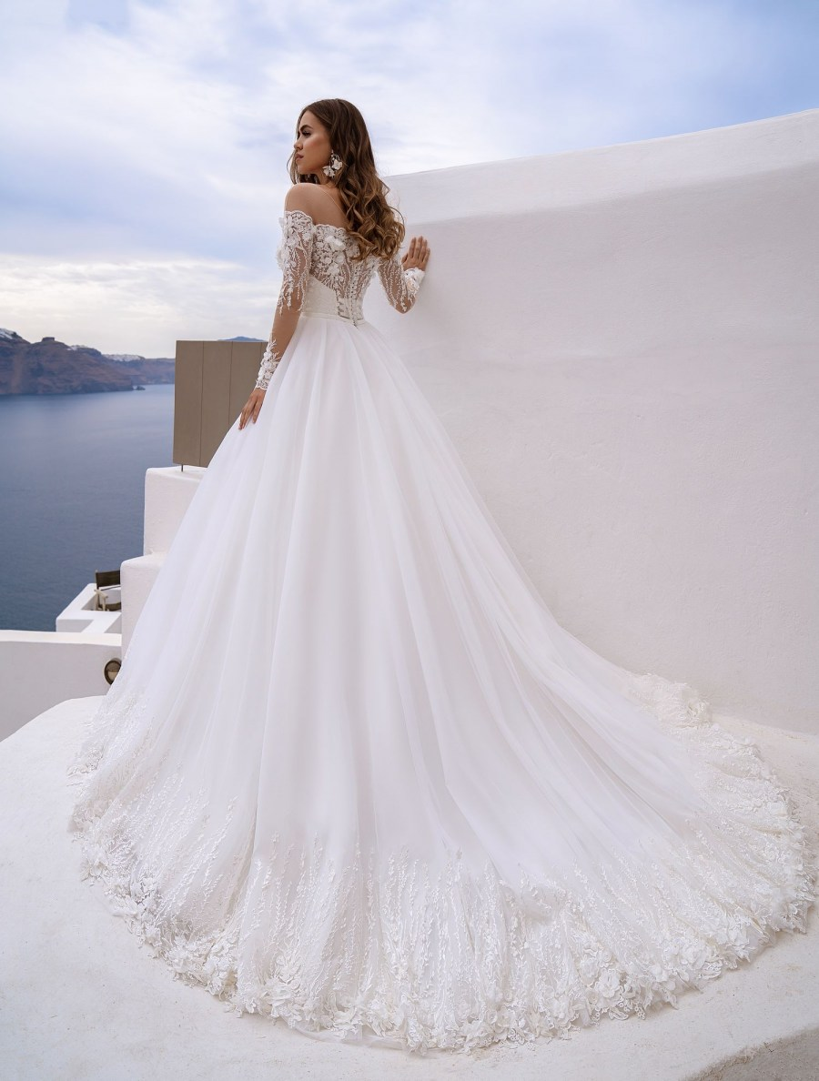 Wedding dress with poufy skirt-train TM Silviamo at wholesale prices-4