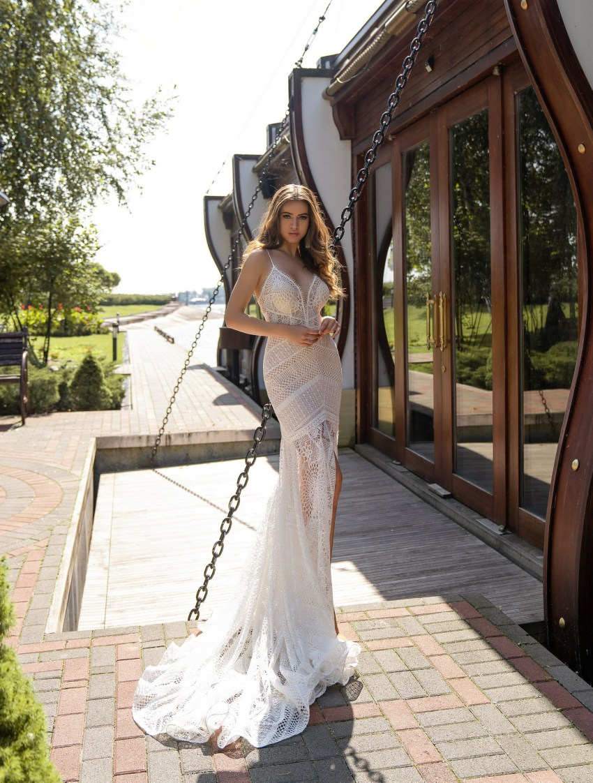 "Light wedding dress in ""boho"" style wholesale from Silviamo-5"