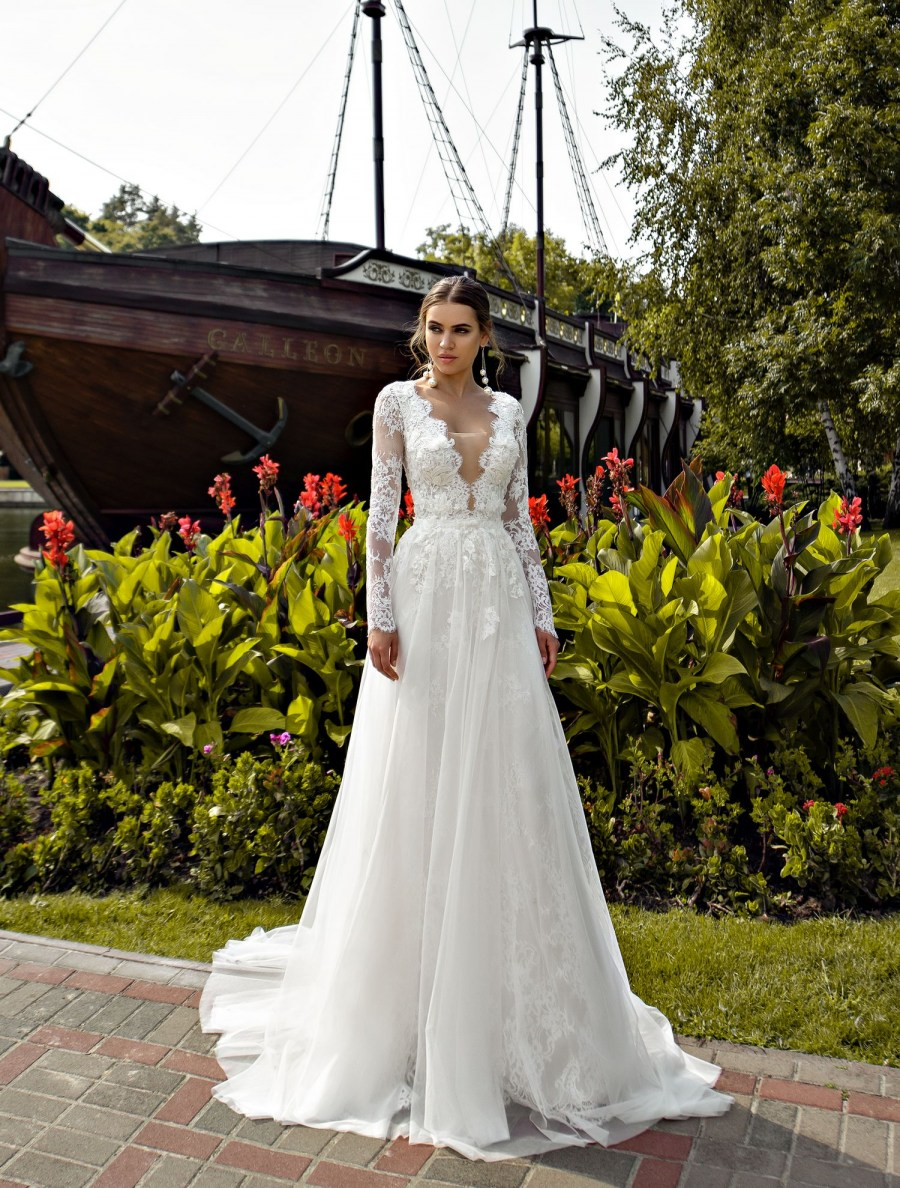 Guipure wedding dress with sleeves wholesale from Silviamo-2