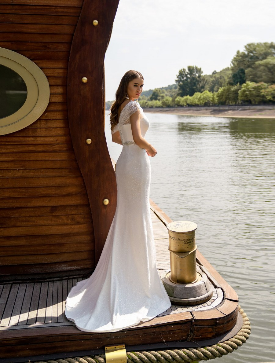 One shoulder wedding dress wholesale from Silviamo-4