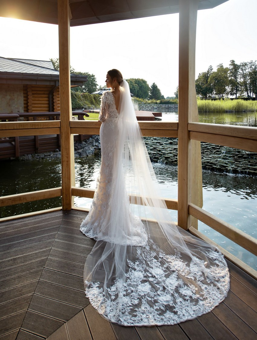 "Wedding dress ""godet"" with voluminous flowers wholesale from Silviamo-3"
