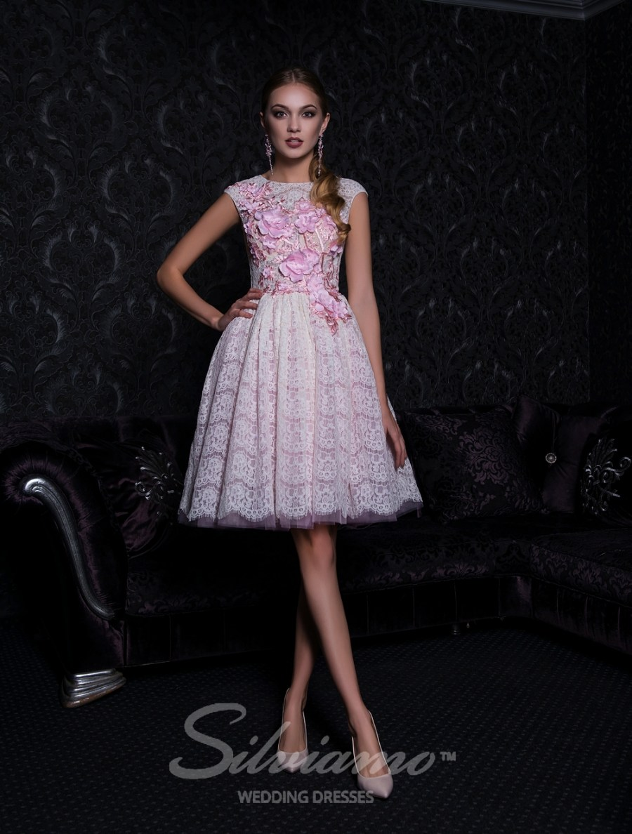 Short evening dress with a puffy skirt V-159