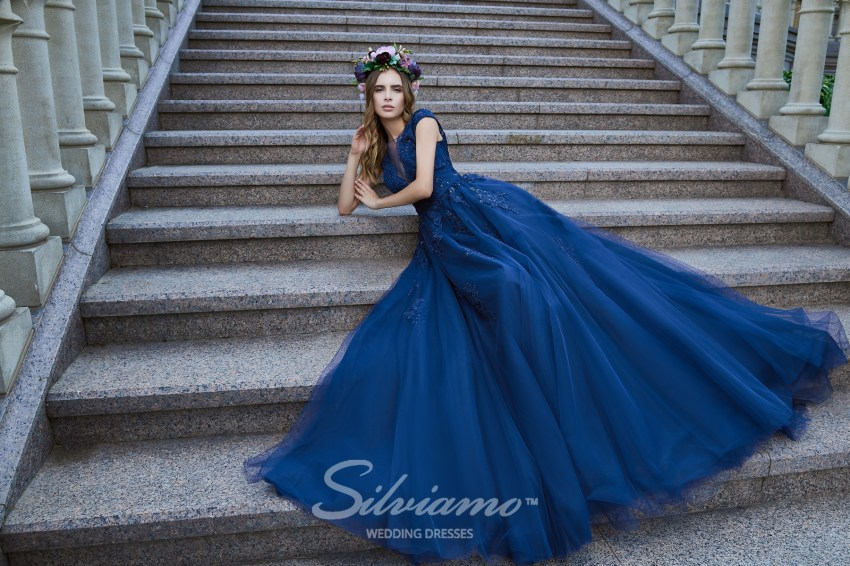 Lush floor-length evening dress with guipure corset wholesale from Silviamo. V-164