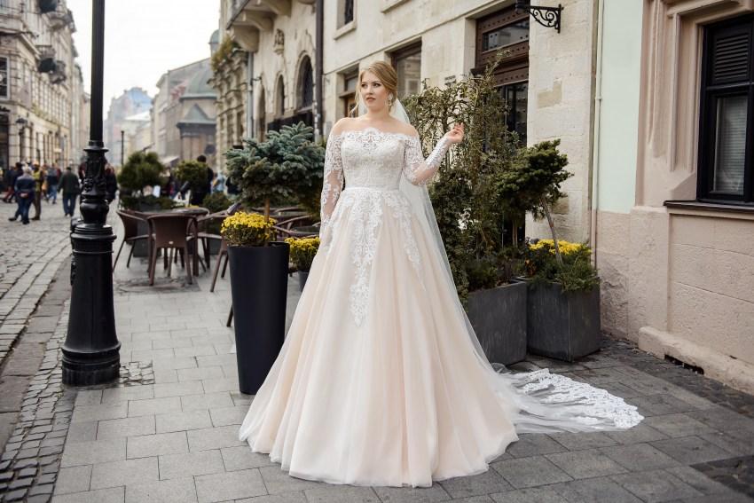 Свадебное платье с имитацией открытых плечей Plus size от Silviamo оптом-2