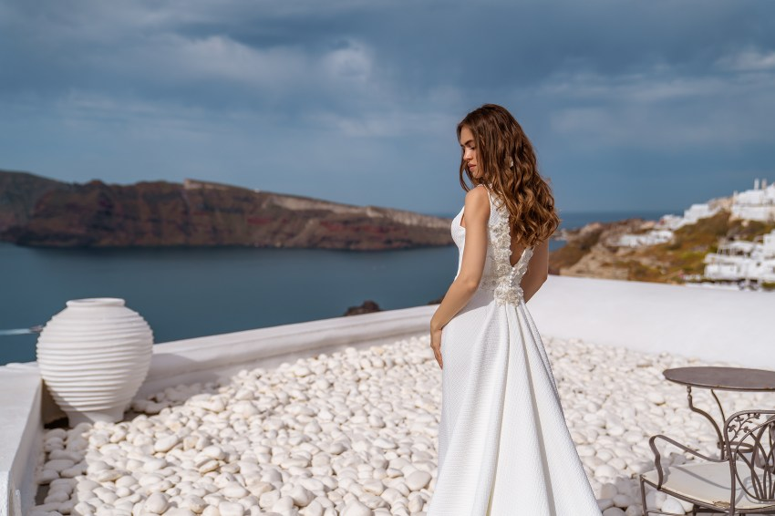 Свадебное платье с декором на спине от ТМ  Silviamo по оптовой цене-2