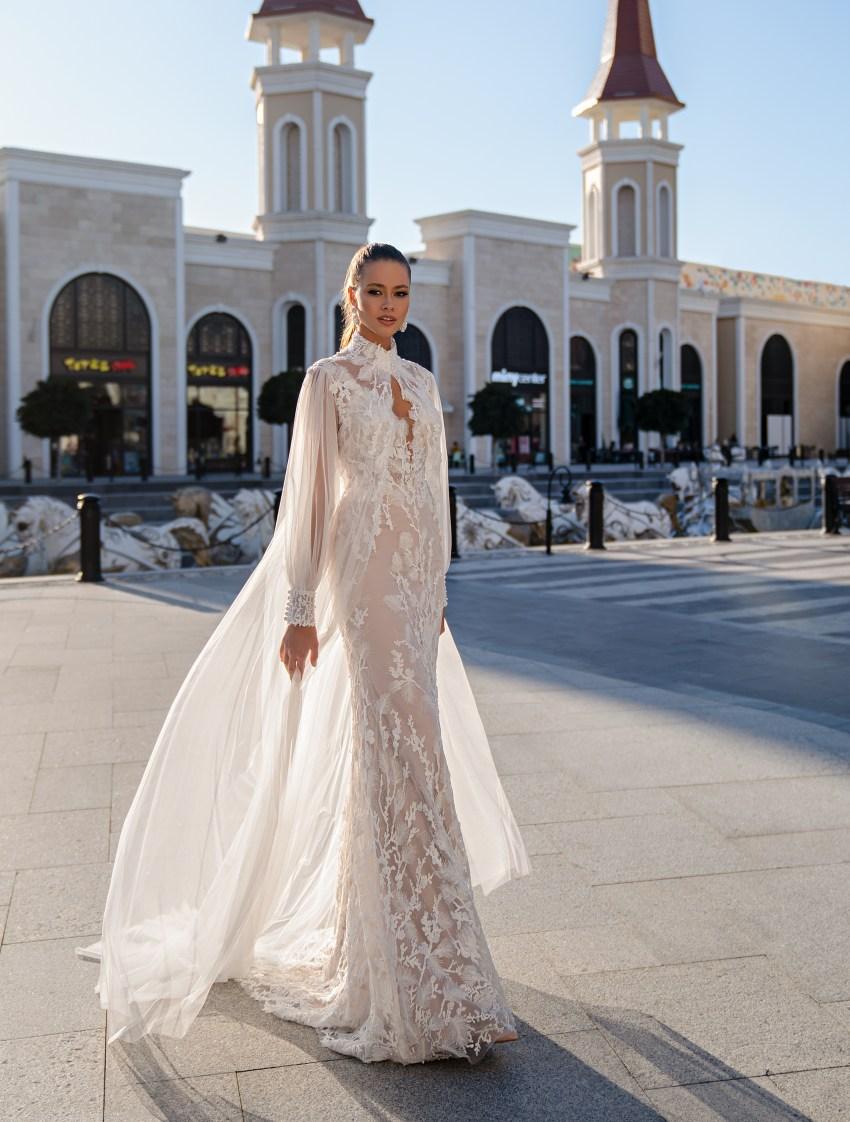 Свадебное платье со съемным плащом-6