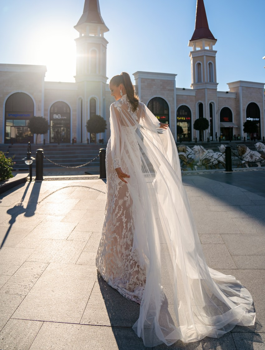 Wedding dress with a removable cloak-3