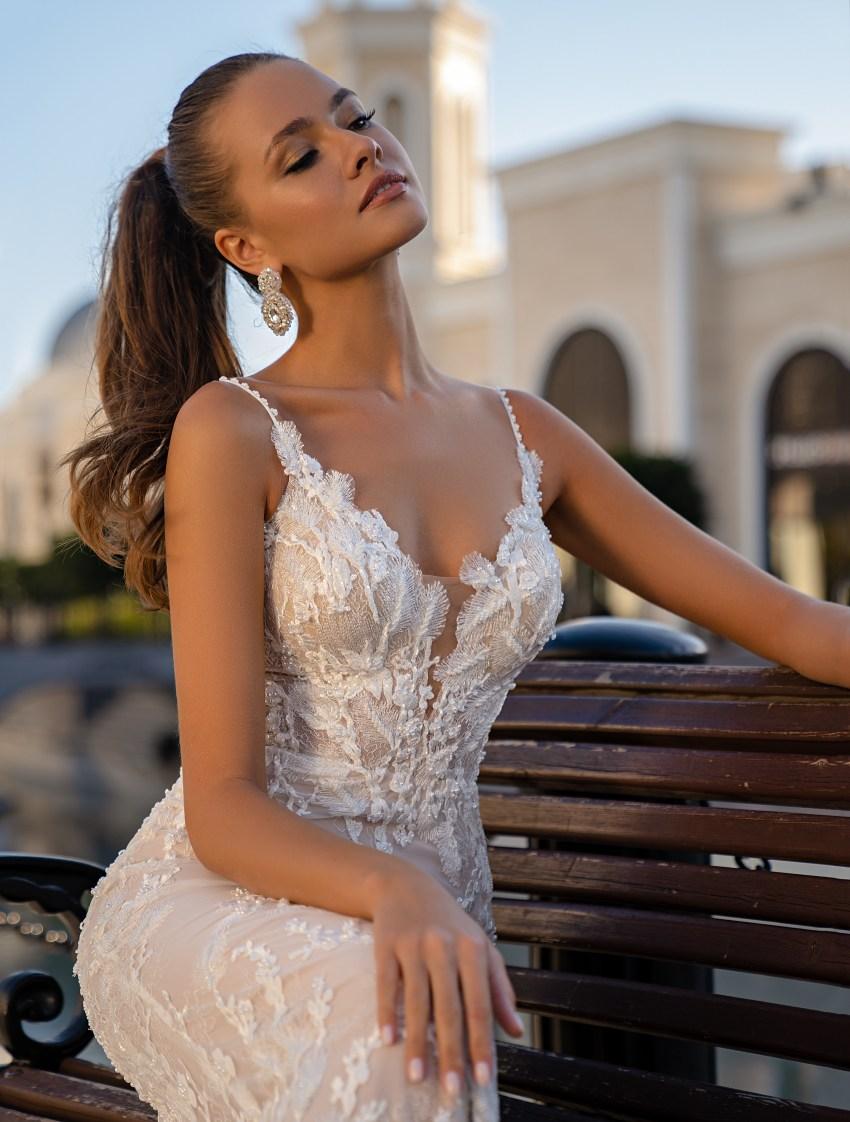 Свадебное платье со съемным плащом-4