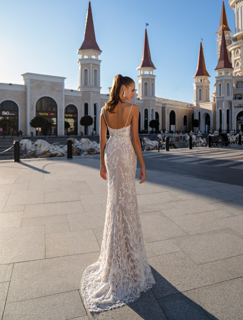 Wedding dress with a removable cloak-5