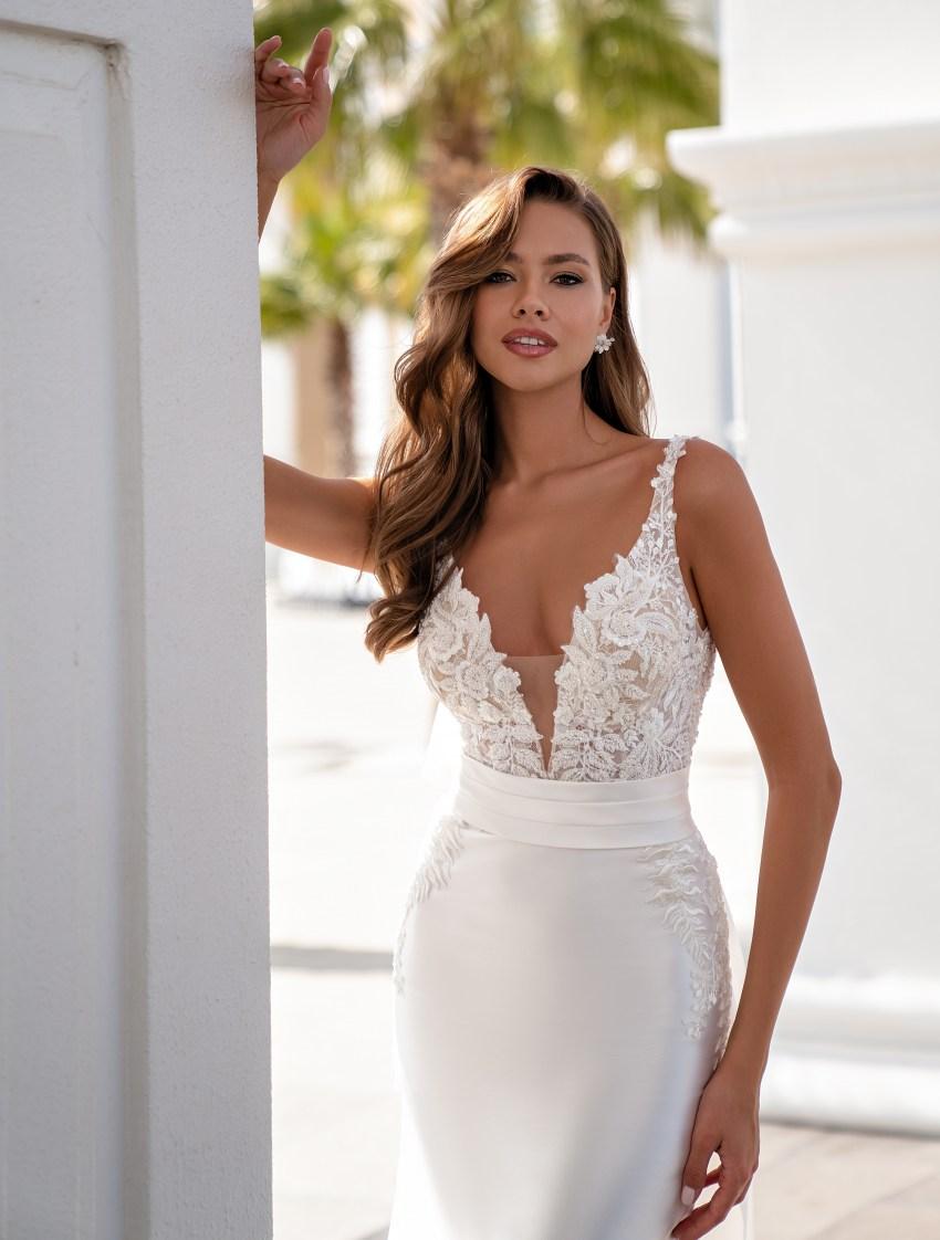 Свадебное платье на тонких бретелях-2