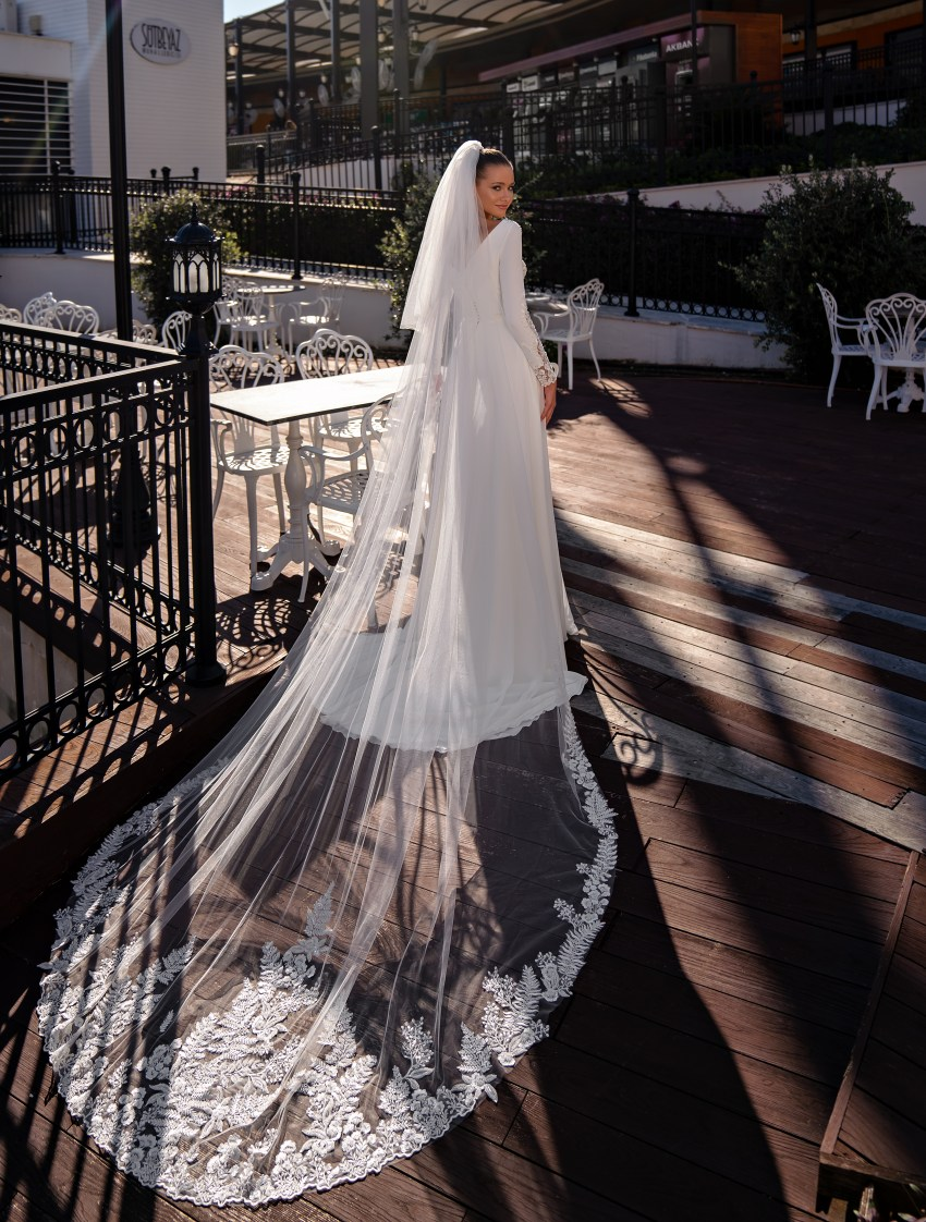 Exquisite wedding dress with long sleeves-6