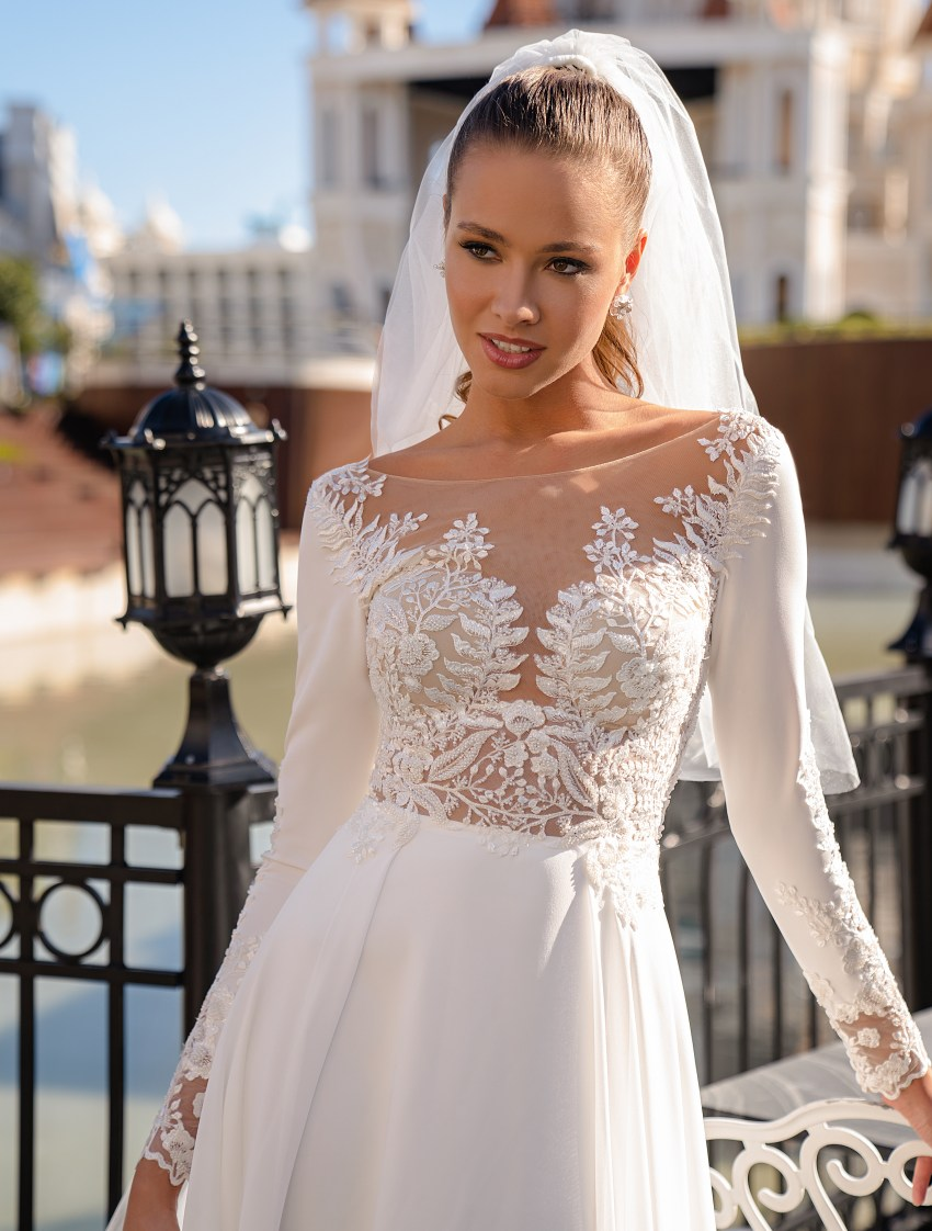 Exquisite wedding dress with long sleeves-2