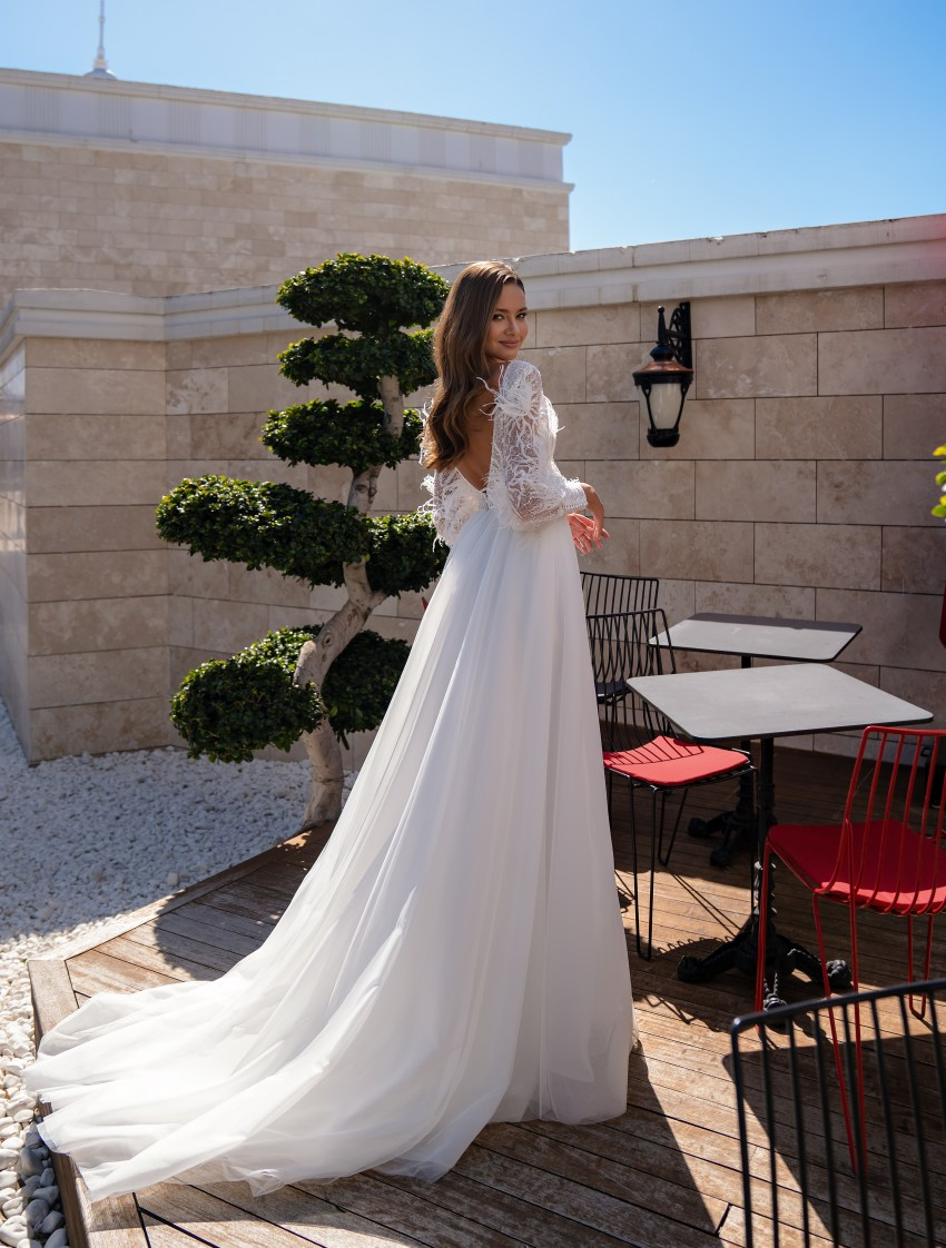 Original wedding dress with long sleeves-4