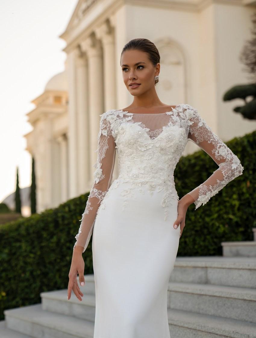 Closed wedding dress from Silviamo-4