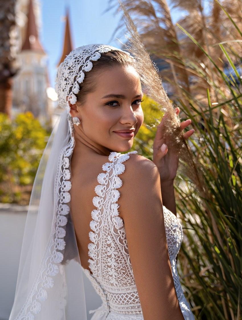 "Wedding dress in the trendy ""boho"" style-4"