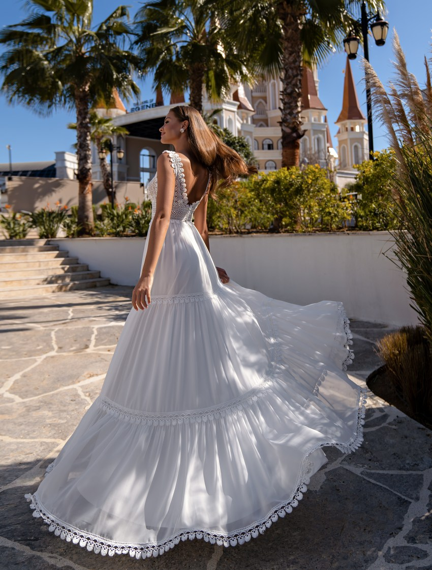 "Wedding dress in the trendy ""boho"" style-5"