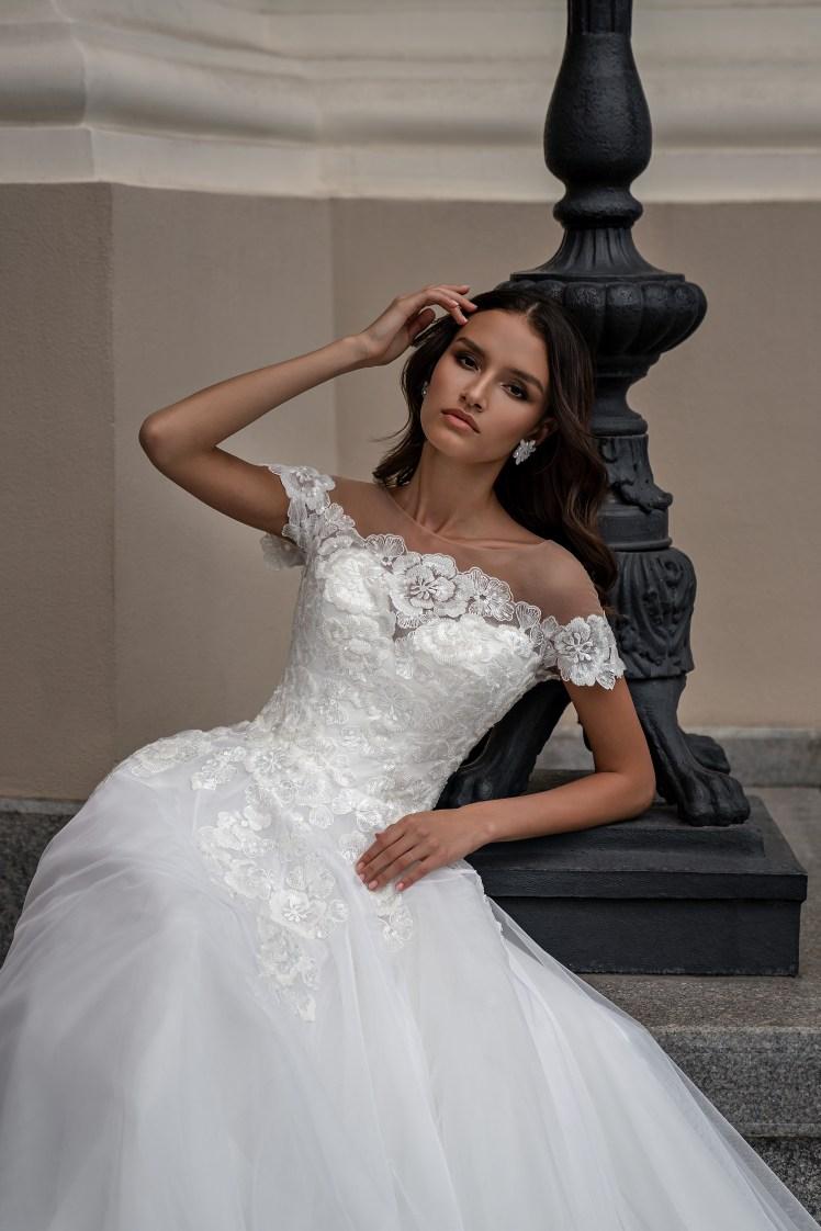 Silviamo Puff Sleeve Wedding Dress-5