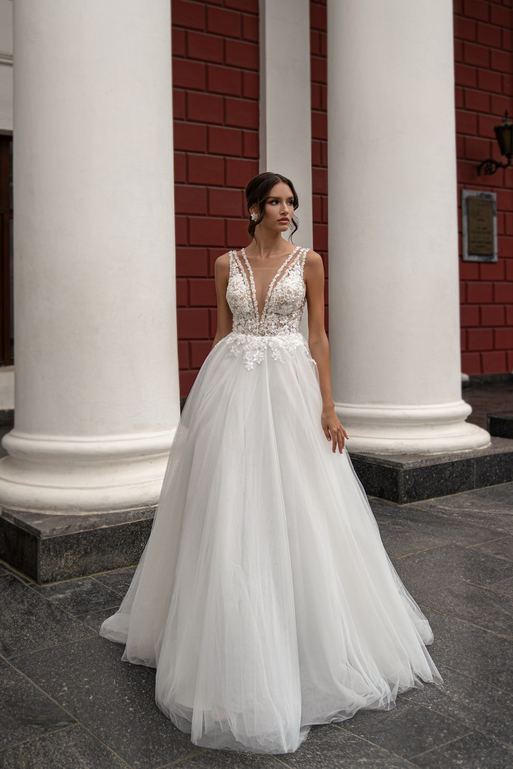 Silviamo wedding dress with straps-5