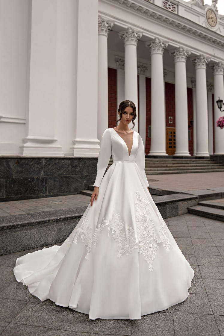 Wedding dress with long sleeves wholesale from Silviamo-2