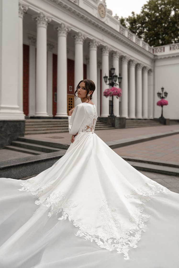 Wedding dress with long sleeves wholesale from Silviamo-4