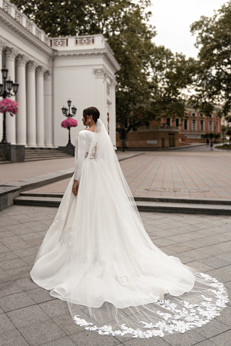 Wedding dress with long sleeves wholesale from Silviamo-5