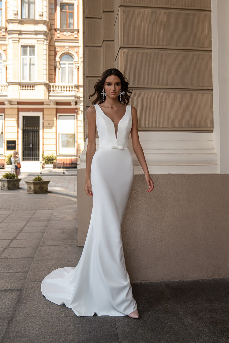 Wedding dress with straps wholesale from Silviamo-2