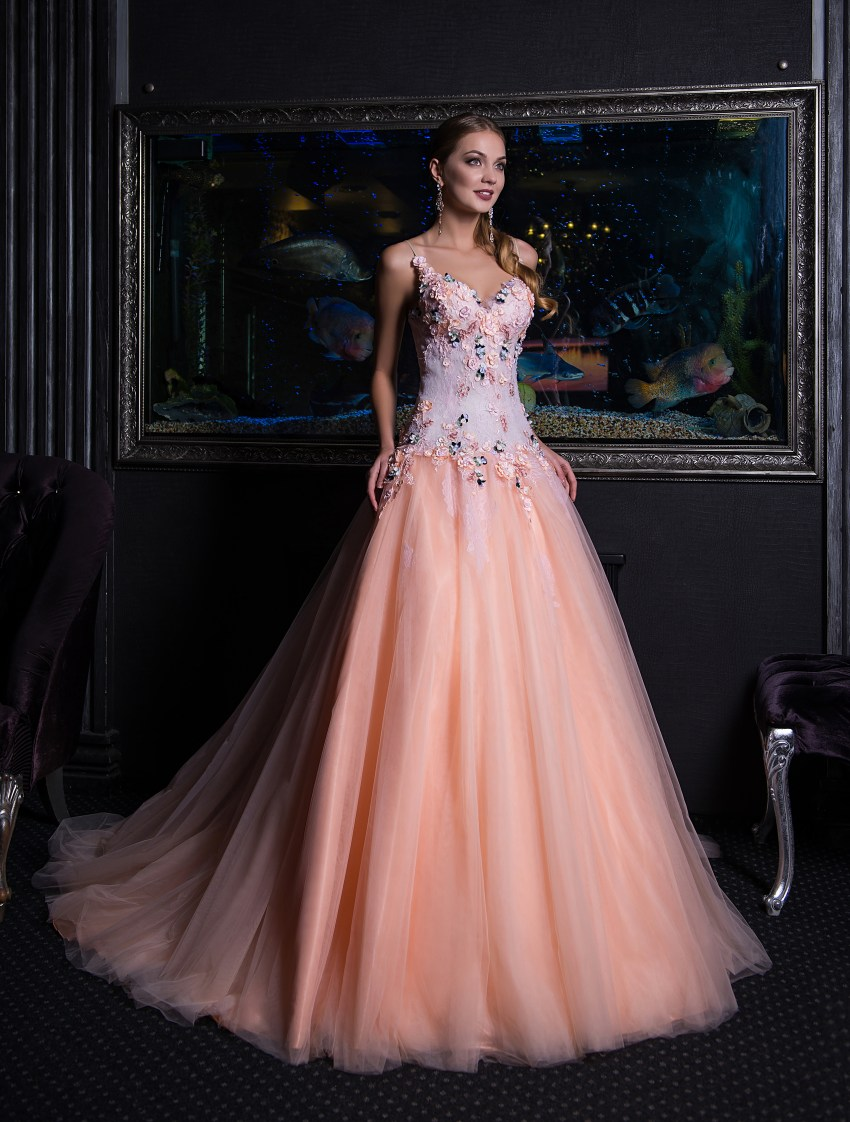 A-line evening dress with lengthened bodice V-140
